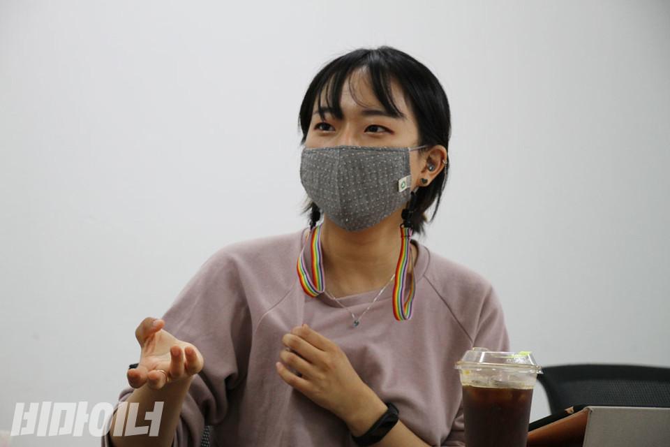 김수경 서울시장애인자립생활센터협의회 활동가가 발언하고 있다. 사진 강혜민